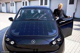 Xe ô tô điện tự sạc trong mỗi lần lăn bánh, giá 'dễ thở'