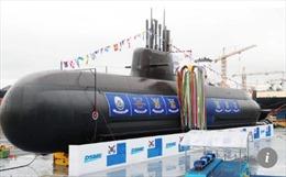 Hàn Quốc hạ thủy tàu ngầm tên lửa tự chế đầu tiên