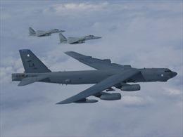 Xem hình ảnh 'pháo đài bay' Mỹ khoe sức mạnh trên Biển Đông, Biển Hoa Đông