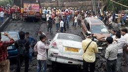 Sập cầu vượt đường cao tốc tại Ấn Độ, 24 người thương vong