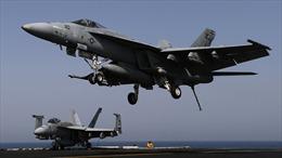 Tiêm kích trên tàu sân bay Mỹ đâm xuống biển Philippines