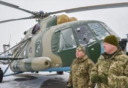 Tổng thống Ukraine đích thân giám sát tập trận sau vụ đụng độ với Nga