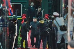 Phiên dịch viên của Chủ tịch Triều Tiên được cư dân mạng tôn làm 'Người hùng'