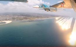 Xem 'Quái vật' Su-35 Nga bắn mồi bẫy để tránh đạn trên bầu trời Syria