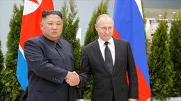 Toàn cảnh cuộc gặp đầu tiên giữa Tổng thống Vladimir Putin và Chủ tịch Kim Jong-un