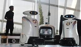 Singapore triển khai 'đội quân' robot lau dọn, giữ vệ sinh công cộng