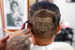 Dư luận Thái Lan tranh cãi về việc cạo tóc hình Vua Vajiralongkorn