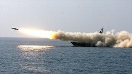 Xem đội tàu chiến Nga phóng loạt tên lửa tại vùng Viễn Đông