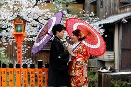 Tỷ lệ sinh thấp kỷ lục, Nhật Bản đầu tư ứng dụng mai mối AI