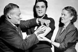 Mũi tiêm của danh ca Elvis Presley giúp Mỹ chiến thắng bệnh bại liệt