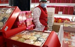 Không về quê đón Tết, người Trung Quốc gửi món ănngon cho nhau