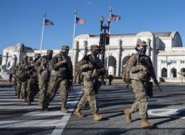 Sau hơn 3 tiếng, Lầu Năm Góc mới đồng ý điều vệ binh đến dẹp loạn Điện Capitol