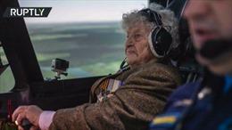 Xem nữ cựu binh Nga 99 tuổi vẫn tự tin điều khiển cường kích Su-34