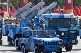Binh sĩ Trung Quốc tập phóng tên lửa bằng thực tế ảo