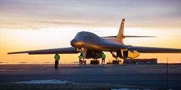 Đằng sau những cú xuất kích lịch sử của máy bay ném bom Mỹ ở hai nửa bán cầu