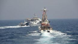 Mỹ bắn cảnh cáo ba tàu Iran chạy áp sát trên Vịnh Ba Tư