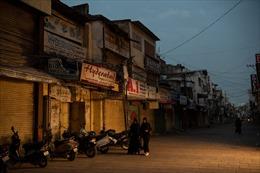 Trót vay tiền online, người nghèo Ấn Độ đang bị siết nợ đến bức tử