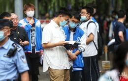 Các trường học tại Trung Quốc nghĩ đủ cách sáng tạo để giảm căng thẳng trước kì thi