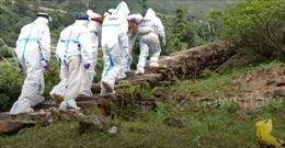 Cảm phục đội cứu hộ leo 7km đường núi, đưa bệnh nhân COVID-19 82 tuổi nhập viện