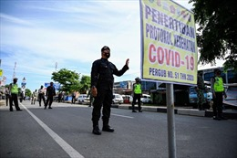 Tin đồn độc hại cản bước chương trình tiêm vaccine COVID-19 của Indonesia