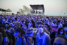 Trên 2.200 người mắc COVID-19 sau lễ hội âm nhạc ở Tây Ban Nha