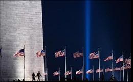 Mỹ sẽ chiếu đèn trời, cắm 2.977 lá cờ tưởng niệm các nạn nhân vụ 11/9
