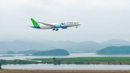 Các hãng hàng không đồng loạt khai thác lại đường bay tới sân bay Vân Đồn