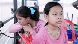 Góc khuất trong những trại trẻ mồ côi 'ma' tại Campuchia