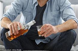 Cha mẹ uống rượu khiến thai nhi có nguy cơ mắc bệnh tim mạch