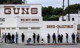 Doanh số bán súng đạn tại Mỹ tăng trong mùa COVID-19