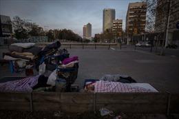 Người vô gia cư đơn độc giữa lệnh phong toả tại Tây Ban Nha
