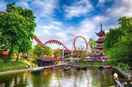 Công viên giải trí lâu đời nhất Châu Âu mở cửa trở lại