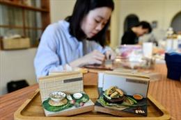 Báo Pháp khen cô gái Việt chế tác 'đồ ăn' tí hon
