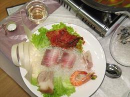 Món ăn kinh dị có mùi hôi thối thu hút hàng nghìn thực khách tại Hàn Quốc
