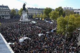 Tuần hành tưởng niệm giáo viên bị sát hại tại Pháp
