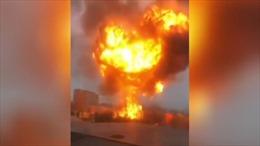 Video nhà kho khí đốt nổ tung tạo thành cột khói khổng lồ tại Nga