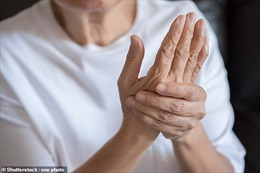 Thuốc điều trị viêm khớp giúp giảm 2/3 ca tử vong do bệnh COVID-19 ở người cao tuổi