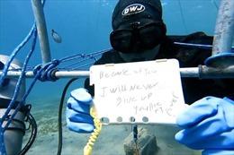 Kỷ lục thế giới sống dưới nước hơn 6 ngày