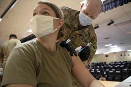 Lính Mỹ tại Hàn Quốc được tiêm vaccine ngừa COVID-19