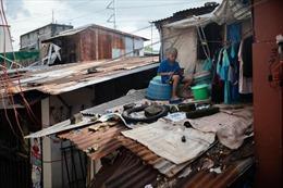Học sinh Philippines trèo lên mái nhà, ra nghĩa địa để học trực tuyến