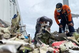 Indonesia dùng phương tiện lặn không người lái để tìm kiếm nạn nhân