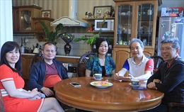 Những 'thủ lĩnh'giúp người Việt ở nước ngoài kiên cường chống COVID-19