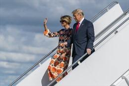 Người ủng hộ chào đón ông Trump trở về Florida sau khi rời Nhà Trắng