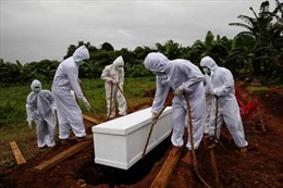 Thiếu nơi an táng nạn nhân COVID-19, Indonesia mở rộng hàng loạt nghĩa trang