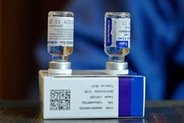 Giới chức Iran tranh cãi gay gắt vì vaccine COVID-19 của Nga