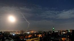 Video phòng không Syria khai hỏa đáp trả tên lửa của Israel