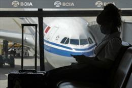 Giá vé máy bay ở Trung Quốc tăng vọt khi hạn chế COVID-19 được nới lỏng