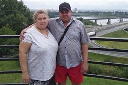 Vợ nặng hơn 100 kg đè lên cổ khiến chồng chết ngạt tại Nga