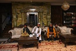 150 tay súng Taliban sống trong dinh thự xa hoa của cựu Phó Tổng thống Afghanistan