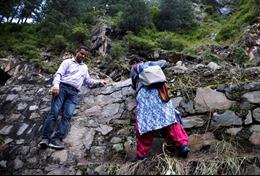 Chiến dịch tiêm chủng thành công ở các ngôi làng hẻo lánh trên dãy Himalaya